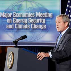 Bush addresses the meeting