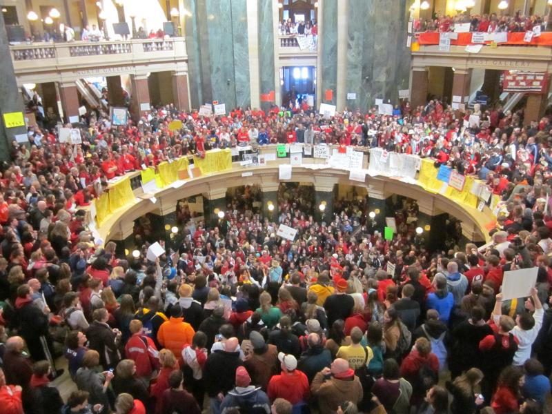 Wisconsin Capitol rotunda filled to capacity