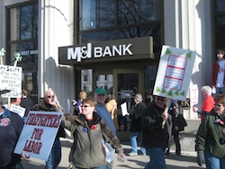 M&I Bank in Madison sees throngs of protesters