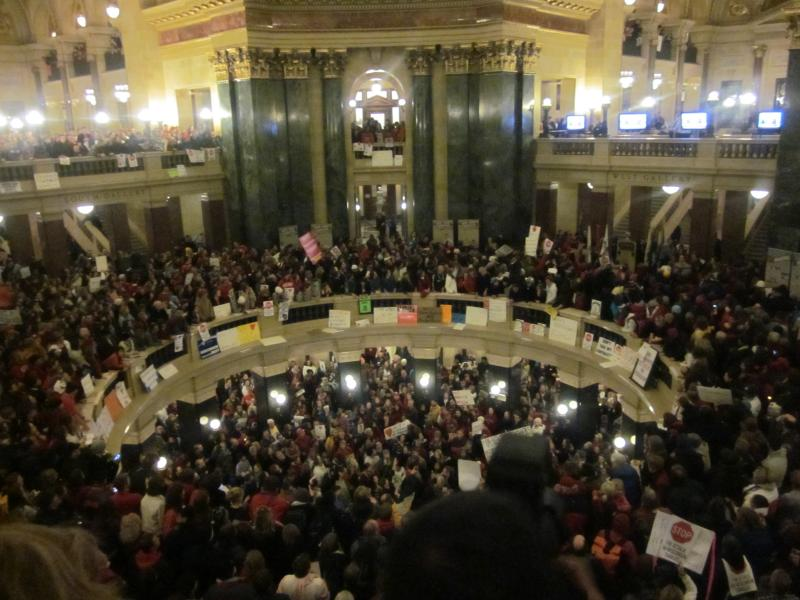 Thousands in the rotunda