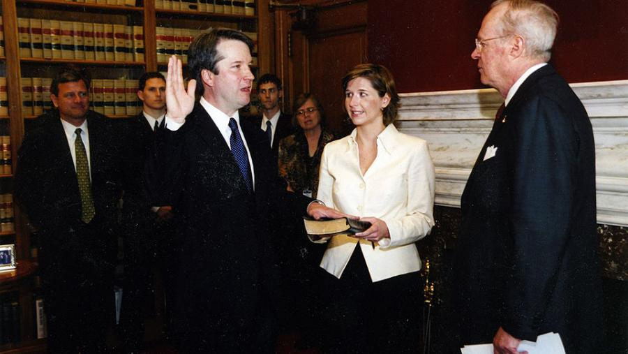 Brett Kavanaugh is sworn into DC Circuit by Justice Anthony Kennedy (2006). (Source: Wikimedia Commons)